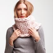 Chunky Knitted Cowl – Miniature 2