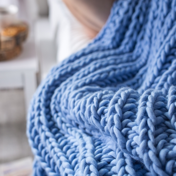 WATERFALLS Chunky Knit Blanket – Photo 3