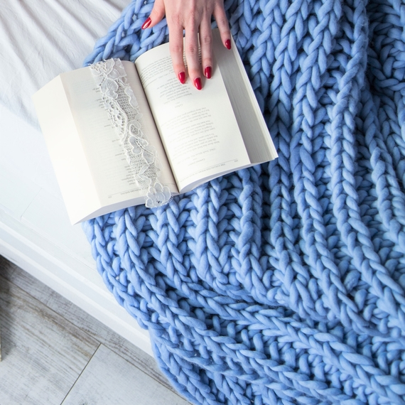 WATERFALLS Chunky Knit Blanket – Photo 4