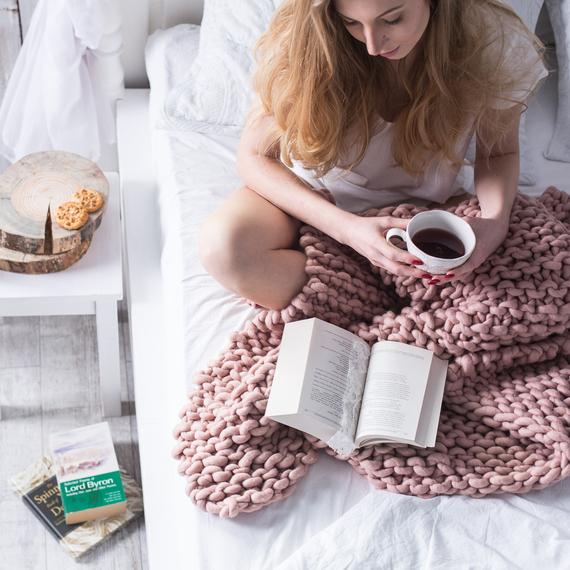 MAXI Knit Throw Blanket – Photo 1