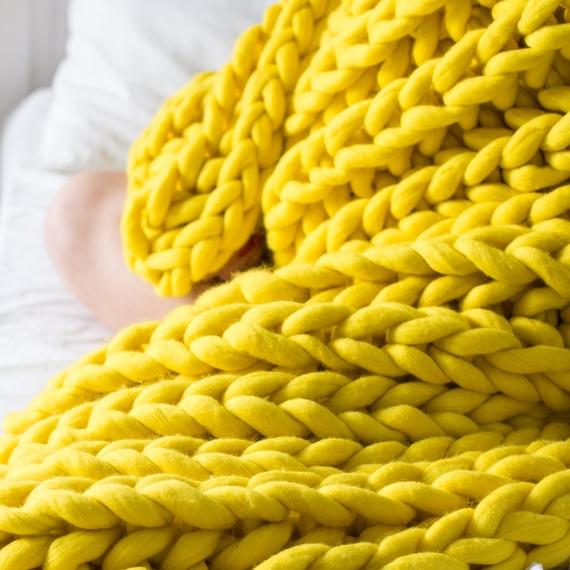 XXL Knit Throw Blanket – Photo 3
