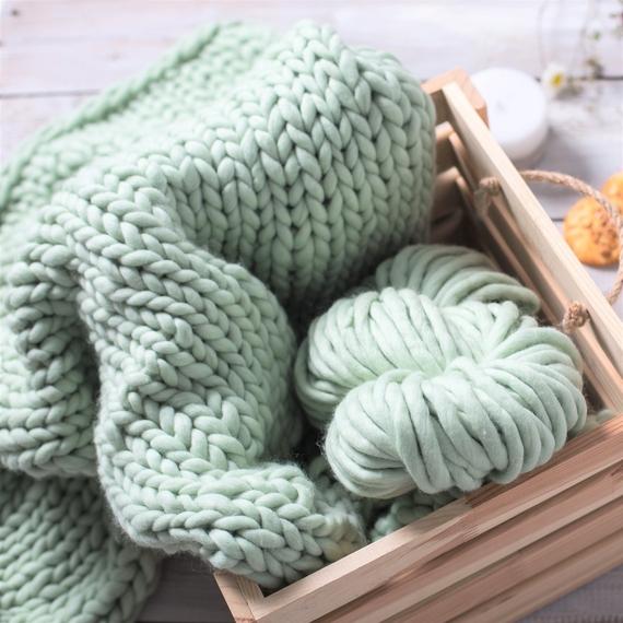 SIMPLY Blanket - Knitting Kit – Photo 1