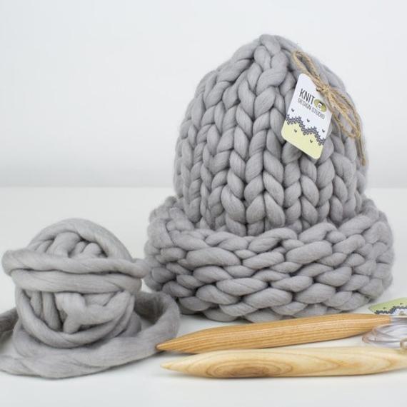 Chunky Hat MAXI PLUS - Knitting Kit – Photo 1