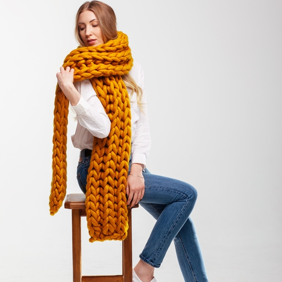 Giant Knitted Scarf – Photo 2