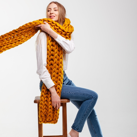 Giant Knitted Scarf – Photo 4