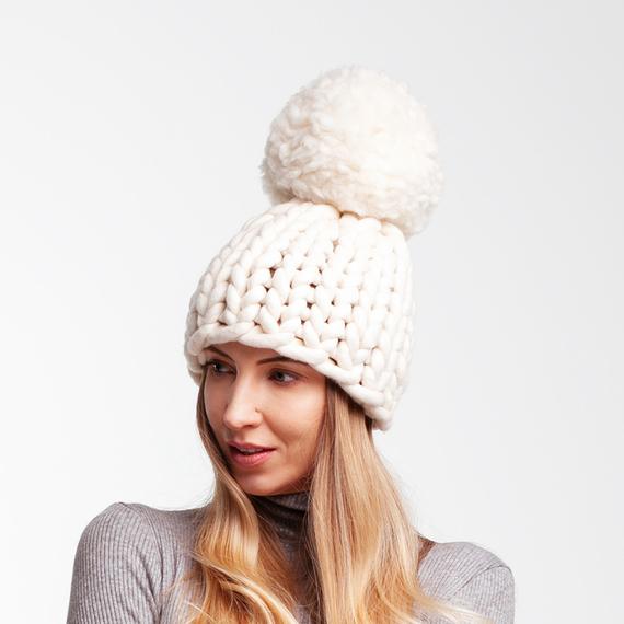 Chunky Pom Pom Knit Beanie – Photo 1