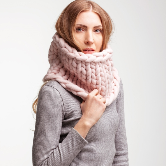 Chunky Knitted Cowl – Photo 1