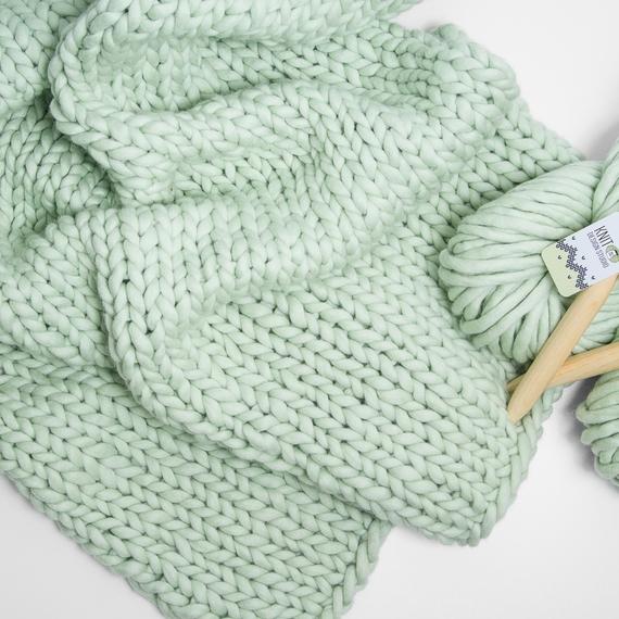 SIMPLY Blanket - Knitting Kit – Photo 4