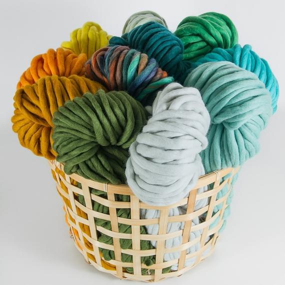 Super bulky yarn MERINO MINI - The Classics Collection - 200g (main photo)